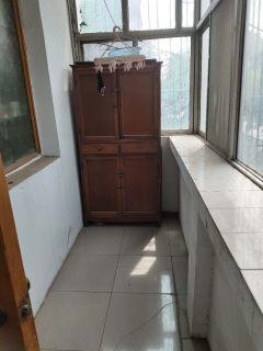 塔林菜市场附近3室1厅1卫90m²简单装修