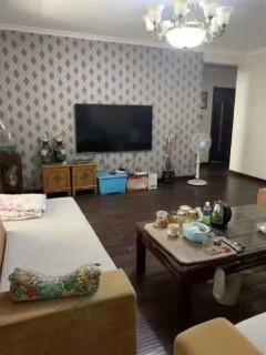 邢台桥西区急售房源燕云台4室一层带小院精装修。有证可贷款