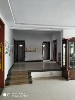 邢台信都区永辉花园3室2厅2卫180m²中档装修
